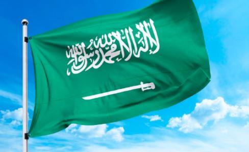 تمديد صلاحية الإقامة في السعودية وتأشيرة الخروج والعودة دون مقابل