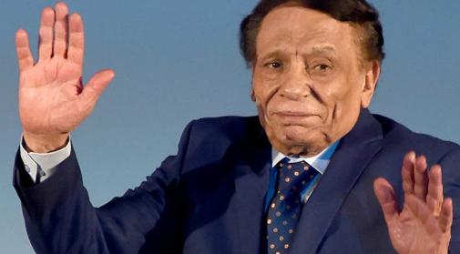 حقيقة اصابة الفنان المصري الكبير عادل امام بكورونا