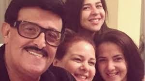 حقيقة اعتزال الفنانة ايمي سمير غانم وشقيقتها دنيا