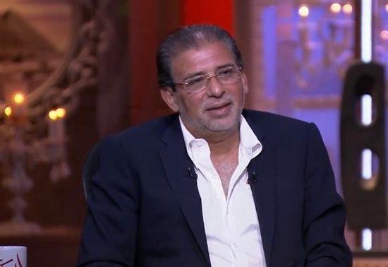 عودة المخرج خالد يوسف إلى مصر تثير الجدل في أوساط المتابعين