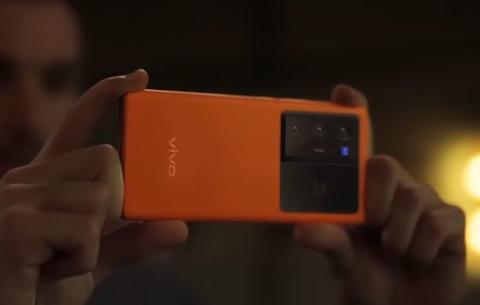 سعر ومواصفات هاتف فيفو  vivo X70 Pro plus عملاق التصوير